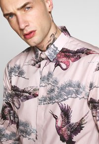Twisted Tailor - CRANE - Shirt - pink - 4