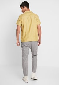 Twisted Tailor - MOONLIGHT TROUSERS - Spodnie garniturowe - light grey - 2