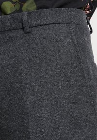 Twisted Tailor - MOONLIGHT TROUSERS - Oblekové kalhoty - charcoal - 3