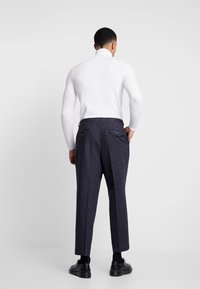 Twisted Tailor - TROUSER - Bukser - charcoal - 2