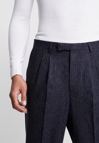 Twisted Tailor - TROUSER - Bukser - charcoal - 5