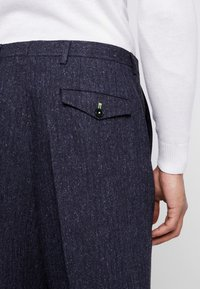 Twisted Tailor - TROUSER - Bukser - charcoal - 3