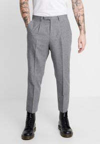 Twisted Tailor - CRAHAN TROUSER - Stoffhose - grey - 0