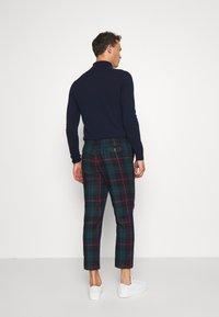 Twisted Tailor - RAINES TROUSER - Pantaloni - green - 2