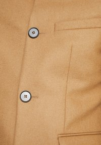 Twisted Tailor - SPEARMINT COAT - Abrigo - caramel - 3