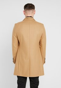 Twisted Tailor - SPEARMINT COAT - Abrigo - caramel - 2