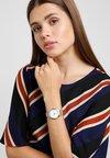 Timex - WATERBURY BRACELET DIAL - Watch - silver-coloured