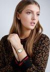 Timex - Horloge - gold-coloured
