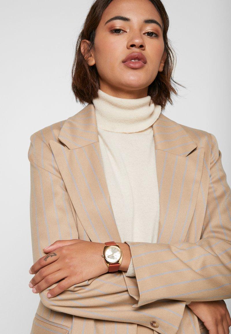 Timex - MILANO CASE DIAL STRAP - Watch - burgundy