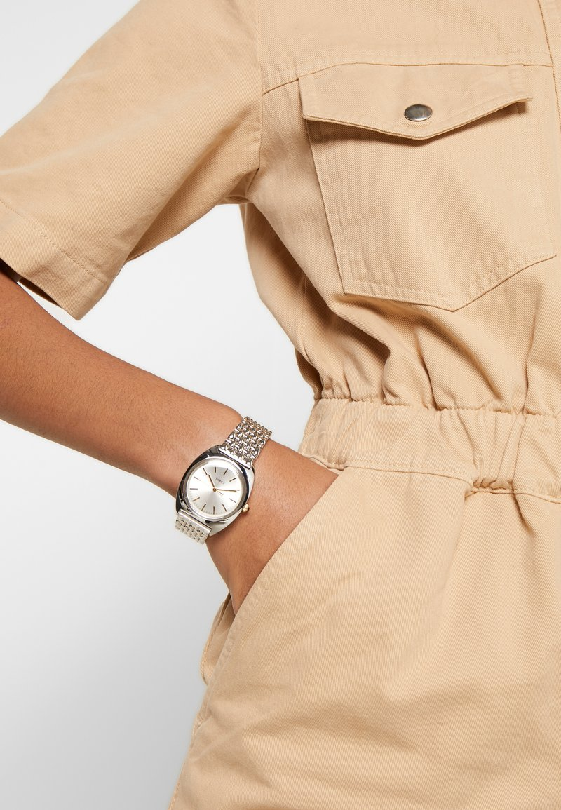 Timex - MILANO CASE DIAL BRACELET - Watch - silver-coloured