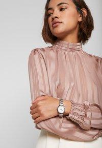 Timex - WOMENS DRESS CASE DIAL SWAROVSKI ACCENT - Watch - silver-coloured - 0