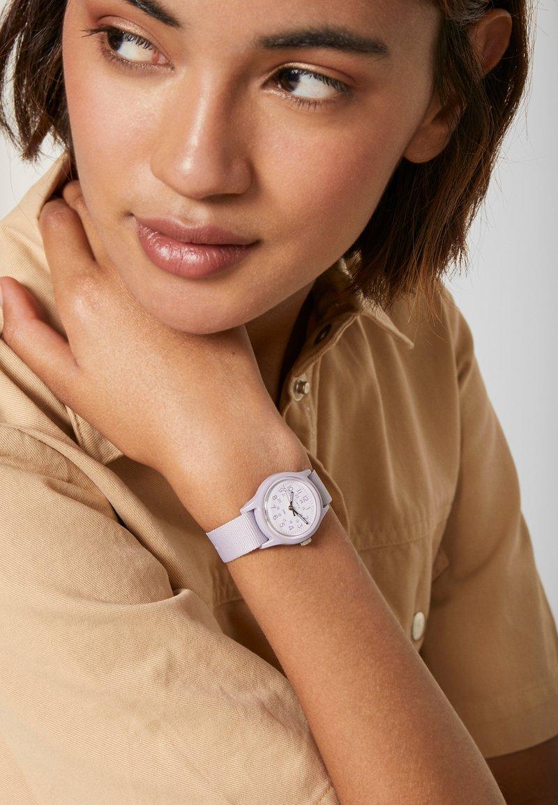 Timex - WOMENS CAMPER CASE WHITE DIAL STRAP - Watch - purple