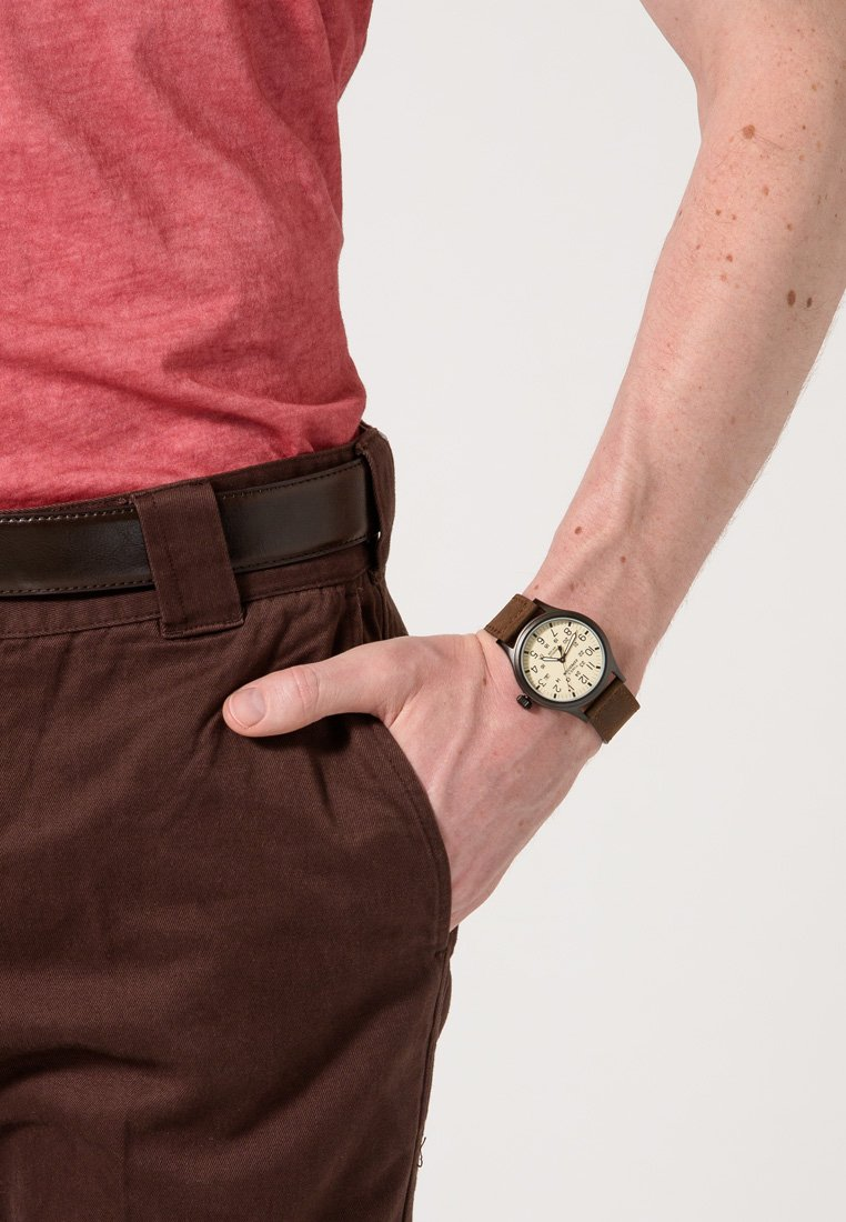 Timex - EXPEDITION SCOUT 40 mm - Reloj - braun