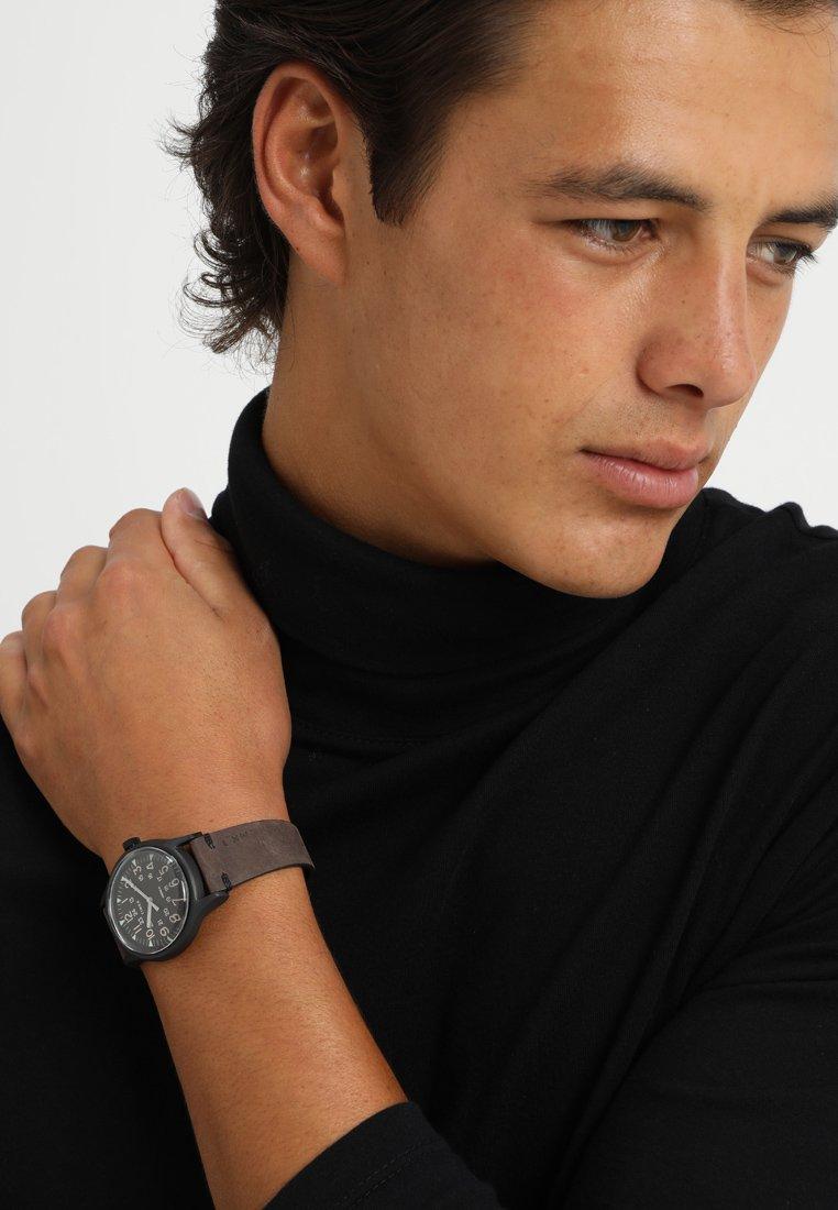 Timex - MK1 STEEL 40 mm LEATHER - Watch - black