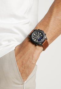 Timex - EXPEDITION PIONEER COMBO - Hodinky - brown - 0