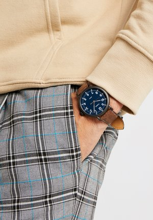 STANDARD - Watch - brown/blue