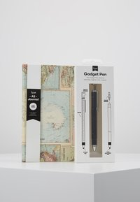 TYPO - JOURNAL NOVELTY JOURNAL SLOTH PEN SET - Jiné - grid world map - 10