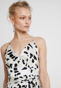 U Collection by Forever Unique - Vestito elegante - white/black - 3