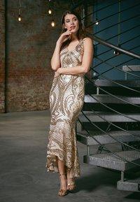 U Collection - Vestido de fiesta - gold - 4