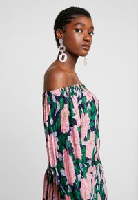 U Collection by Forever Unique - Maxi šaty - pink - 4