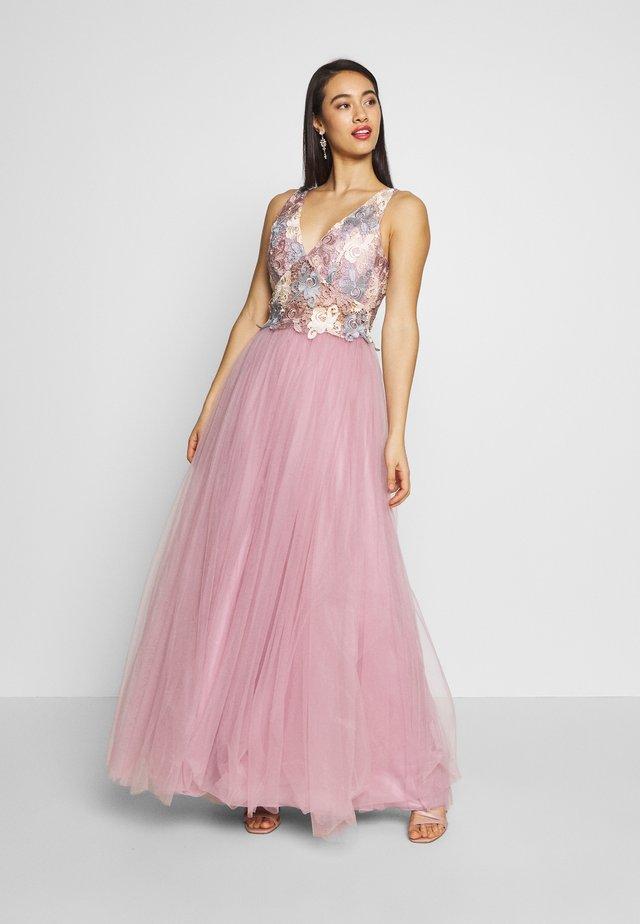 Festklänning - pink