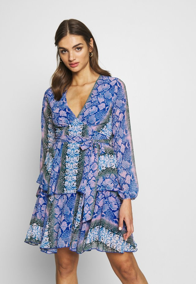 Korte jurk - blue/pink