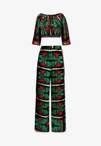 U Collection by Forever Unique - SET - Pantalon classique - green/red - 4