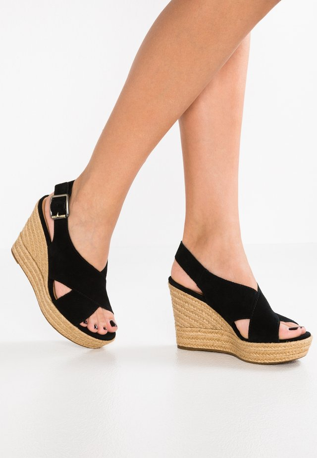 HARLOW - Korolliset sandaalit - black
