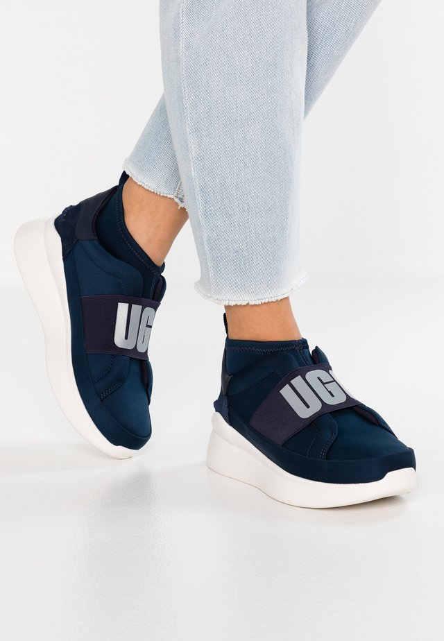 NEUTRA - High-top trainers - navy