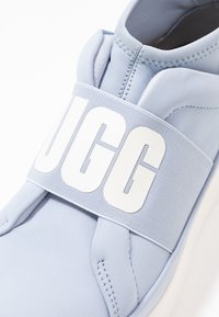 UGG - NEUTRA - Sneakersy wysokie - fresh air