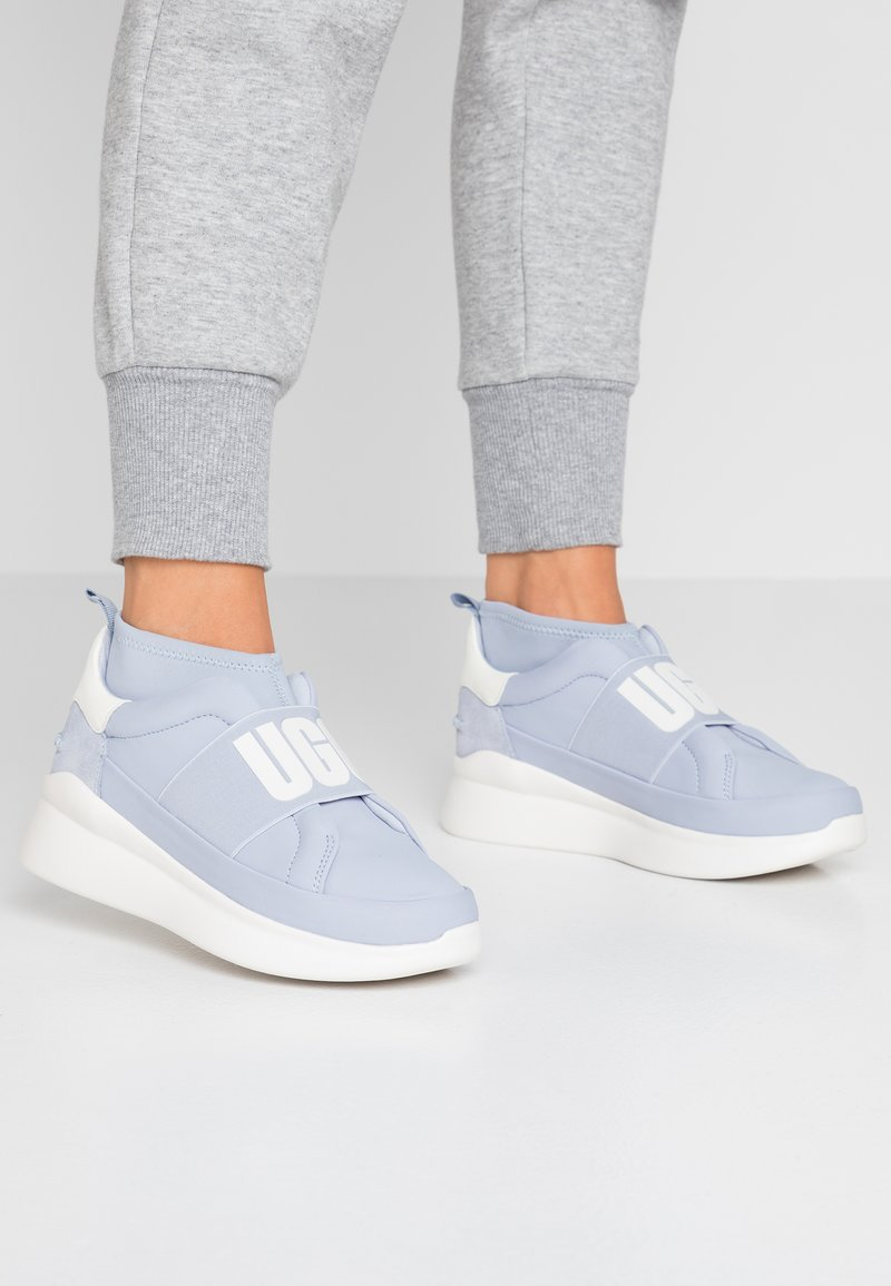 UGG - NEUTRA - High-top trainers - fresh air
