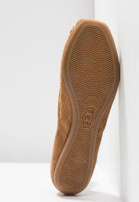 UGG - LENA FLAT - Ballet pumps - chestnut - 6