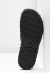 UGG - FLUFFIE II - T-bar sandals - black - 6