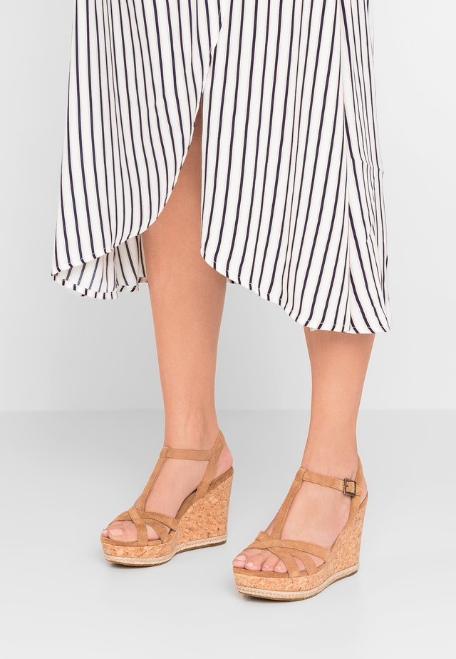 MELISSA - Sandalen met hoge hak - chestnut