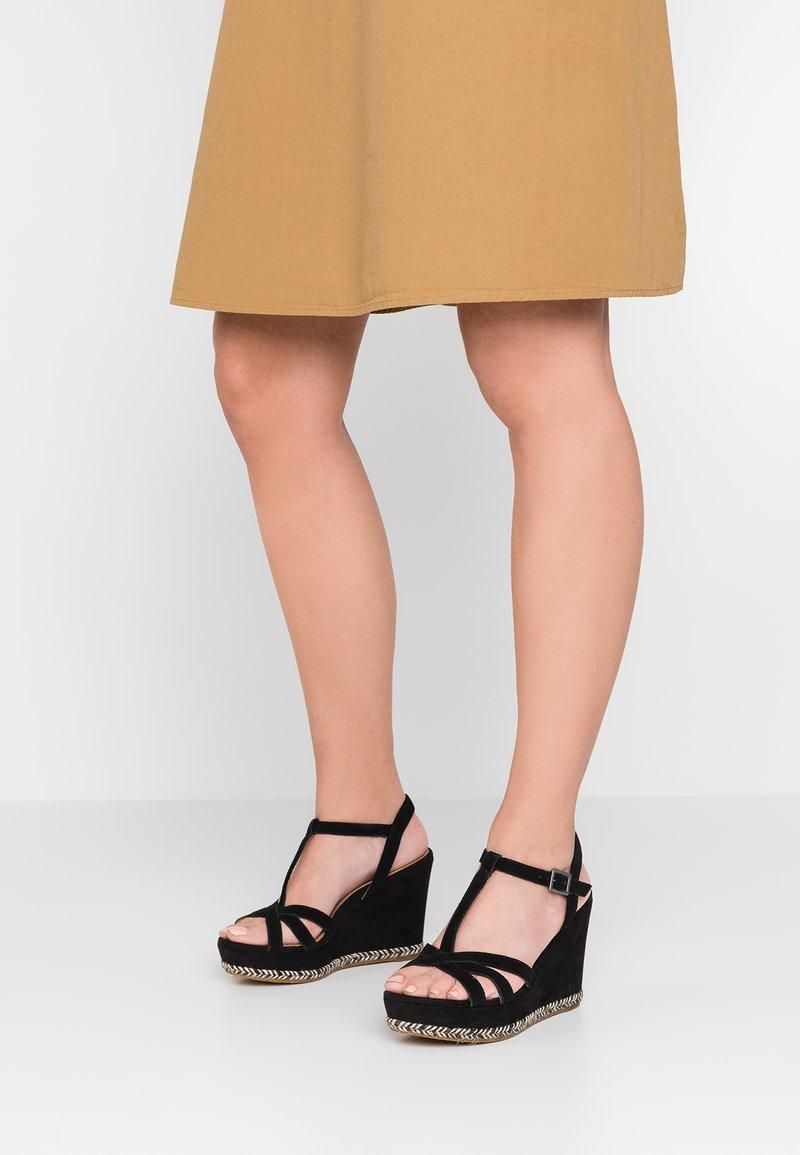 UGG - MELISSA - Korolliset sandaalit - black