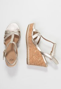 UGG - MELISSA METALLIC - High heeled sandals - gold - 3