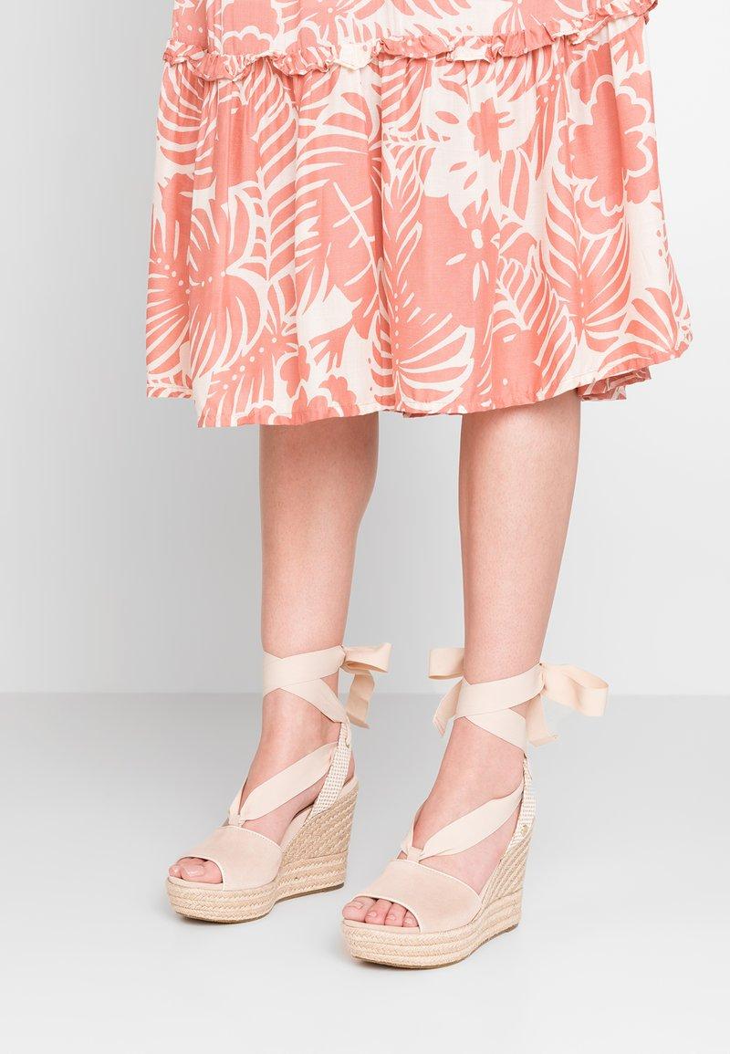 UGG - SHILOH - High heeled sandals - nude