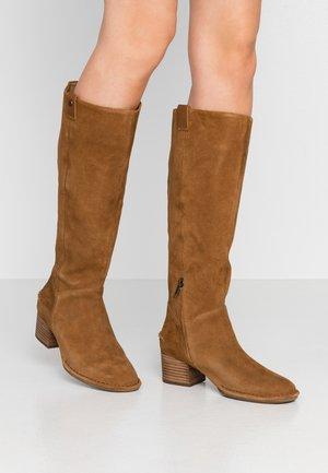 ARANA - Boots - chestnut