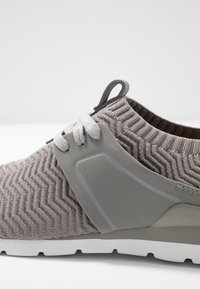 UGG - WILLOWS - Sneakers laag - seal - 2