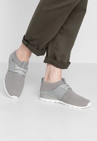 UGG - WILLOWS - Sneakers laag - seal - 0