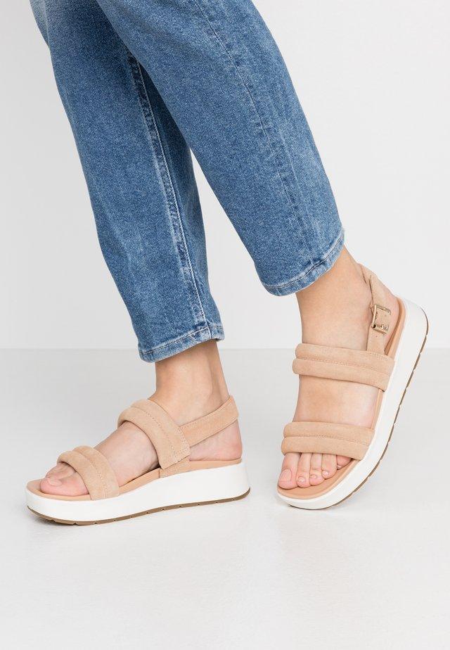 LYNNDEN - Platform sandals - cognac