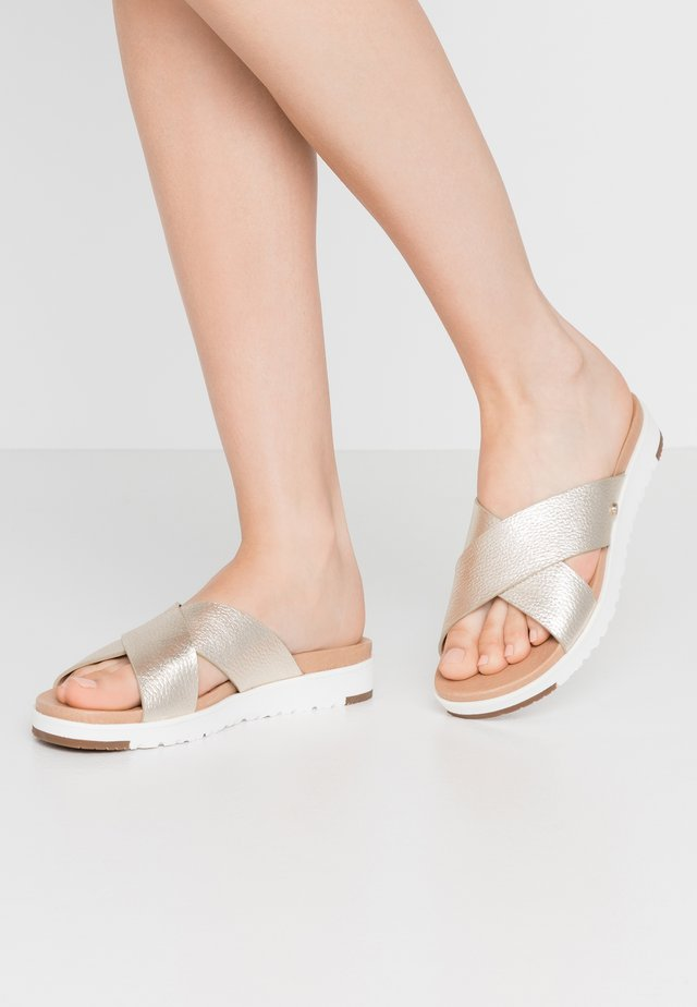 KARI METALLIC - Mules - gold
