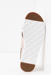 UGG - KAMILE - Sandals - blush metallic - 6
