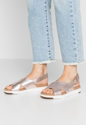 KAMILE - Sandals - blush metallic