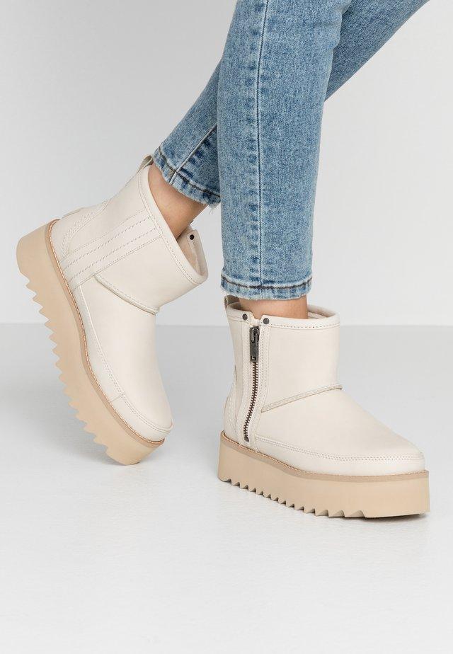 CLASSIC REBEL BIKER MINI - Platform ankle boots - bone