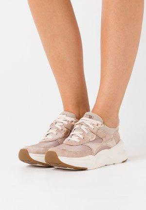 LA HILLS - Sneakers laag - amphora