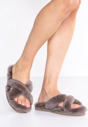 ABELA - Slippers - slate