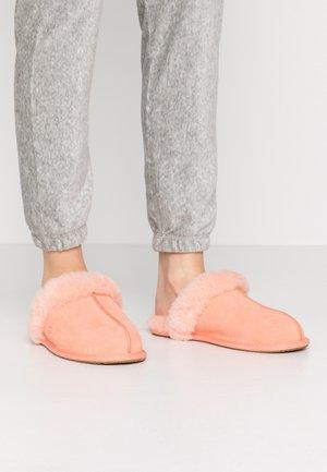 SCUFFETTE  - Chaussons - byron pink