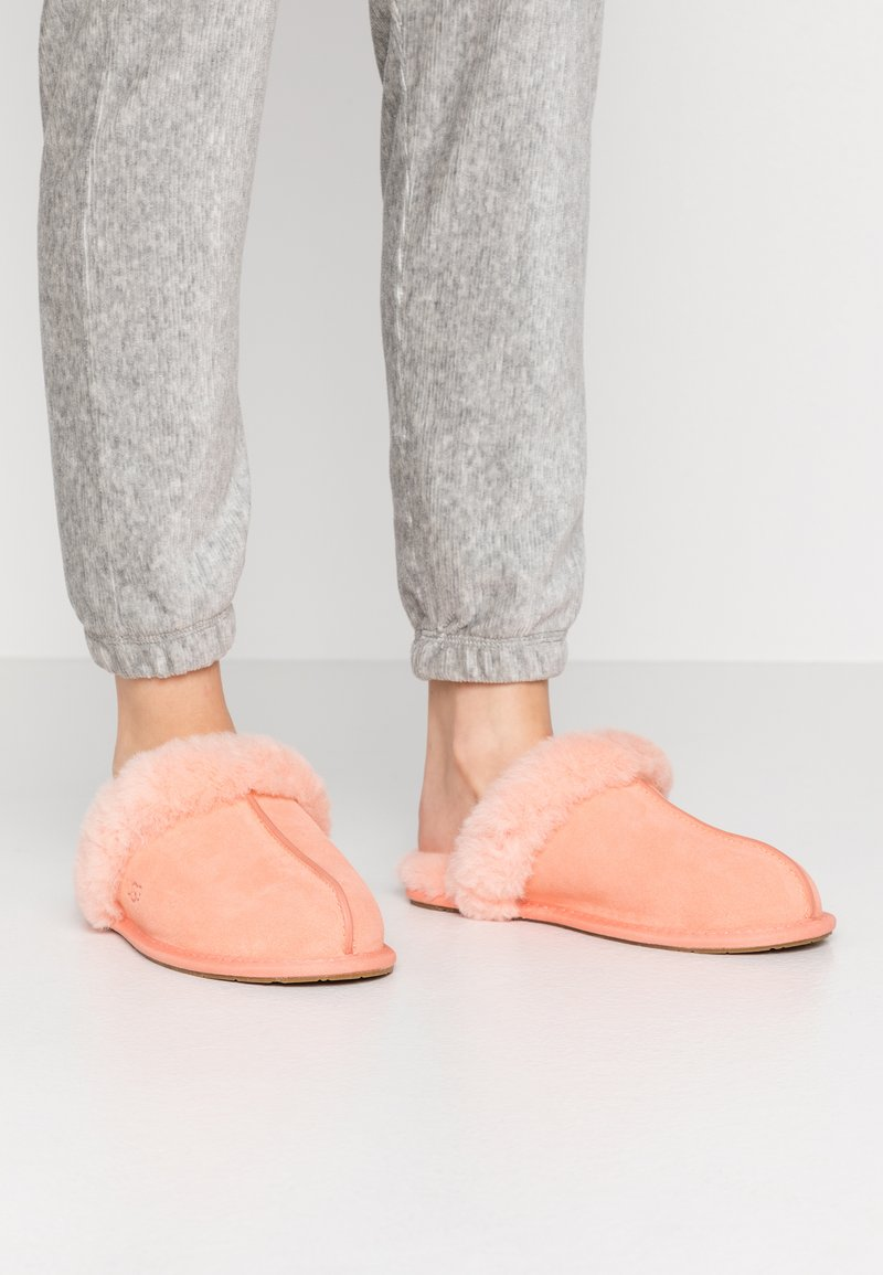 UGG - SCUFFETTE  - Slippers - byron pink