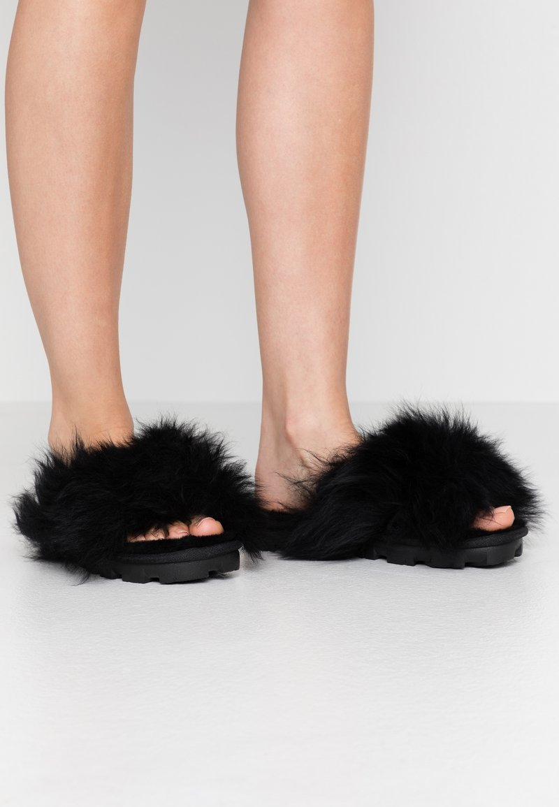 UGG - FUZZALICIOUS - Slippers - black